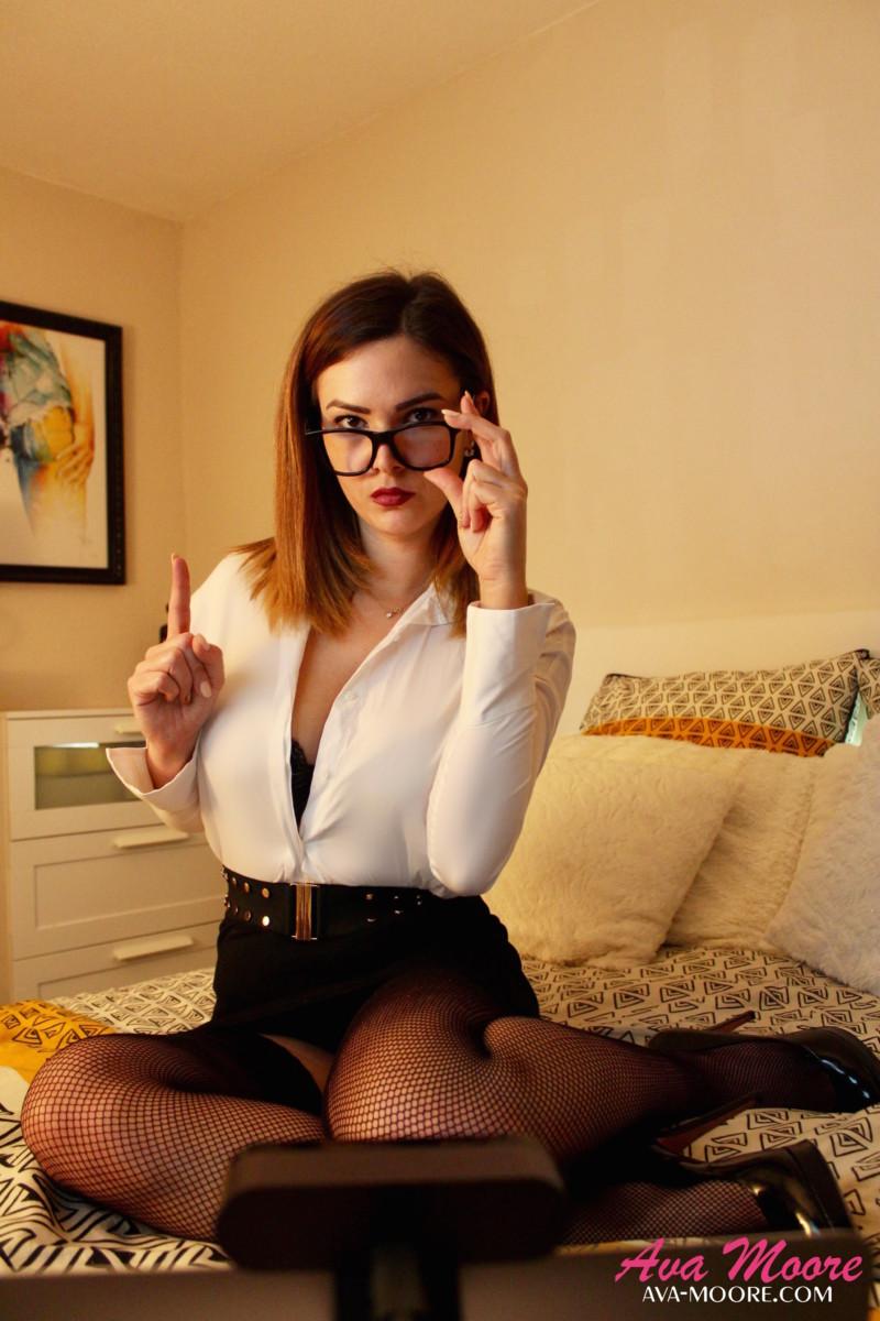 attention des arnaques ont monnaies courantes sur des LIVE SHOW de certaines CAM GIRLS mal intentionnées
