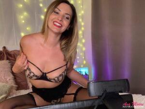 Ava Moore est chaude sur skype une vraie porn star du live show